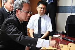 女流王位戦中継Blog : 藤原直哉七段が来訪