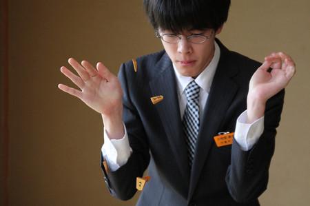 http://kifulog.shogi.or.jp/oui/images/2013/05/29/053.jpg