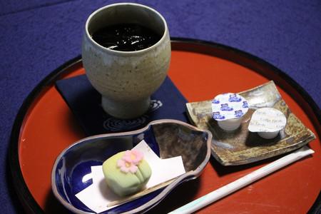 和菓子とアイスコーヒー