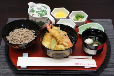 木村王位の昼食