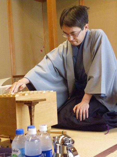 声優の新田恵海さん「寝癖があるような構ってあげたくなるメガネ男子が好きです」